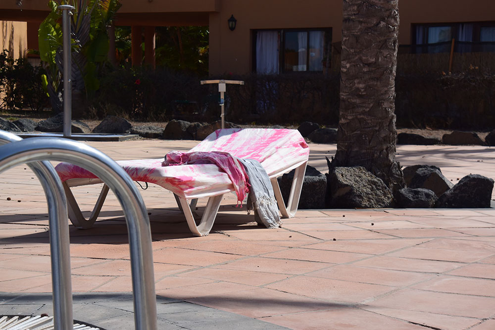 Ibicover beachbedcover roze