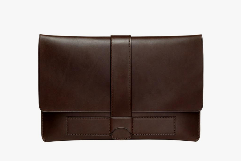 Travelteq-Leather-Sleeve-02-960x640
