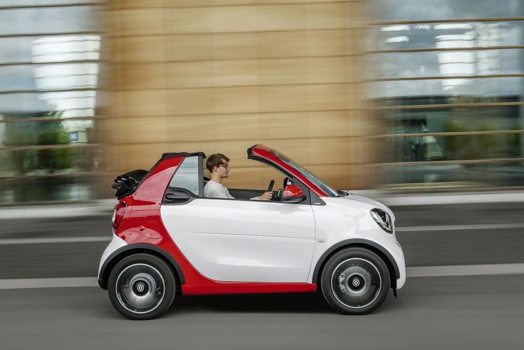 smart fortwo cabrio, passion, white / jupiter red