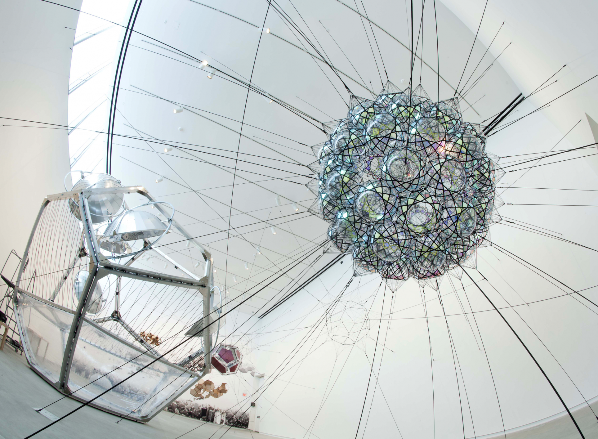 sammlung-philara-tomas-saraceno-80sw-iridescen__flying-garden_air-port-city-2011