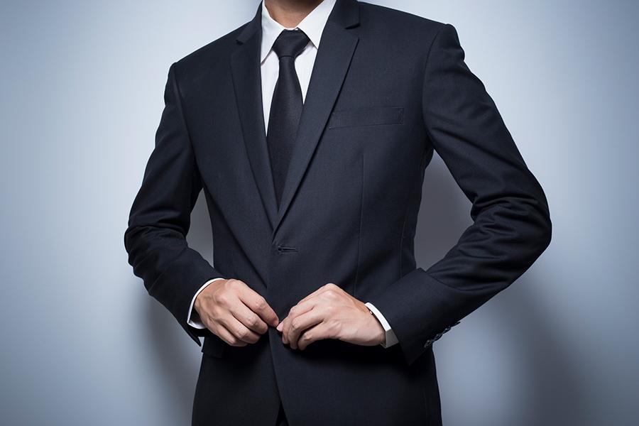 De onbesproken dresscode bij een begrafenis: wat kan wel en wat kan niet? - Daily Cappuccino - Lifestyle Blog