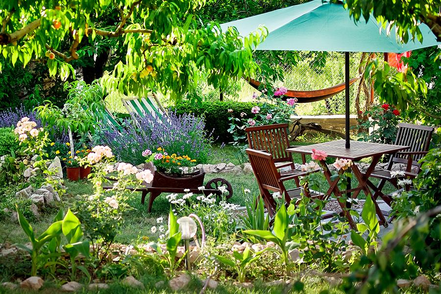 Ook nu nog heerlijk in de tuin zitten? 4 tips! - Daily Cappuccino - Lifestyle Blog
