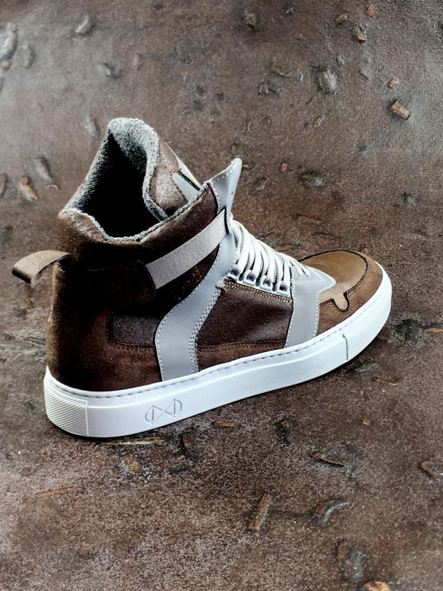 Sneakers gemaakt van koffie