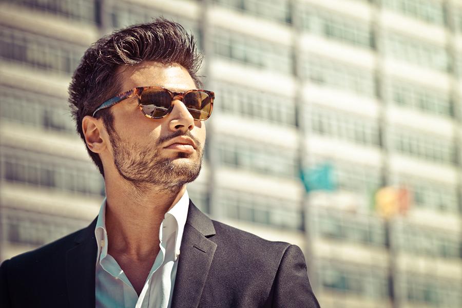 Zonnebrillen trends: wat moet je als man op je neus dragen deze zomer?