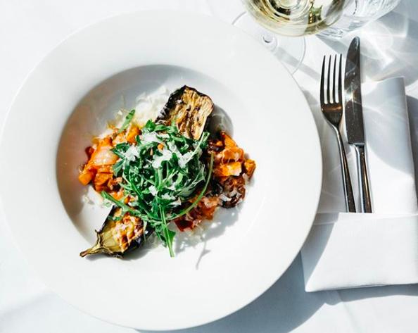 Eten in PARK, het restaurant van het prachtig gerenoveerde Hotel Arena