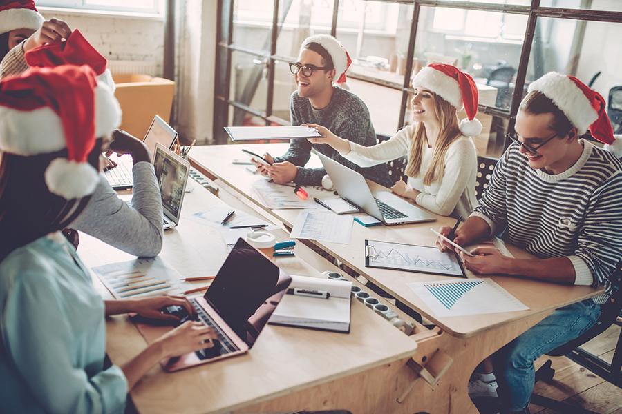 Waarom het geven van een kerstpakket aan je werknemers ertoe doet