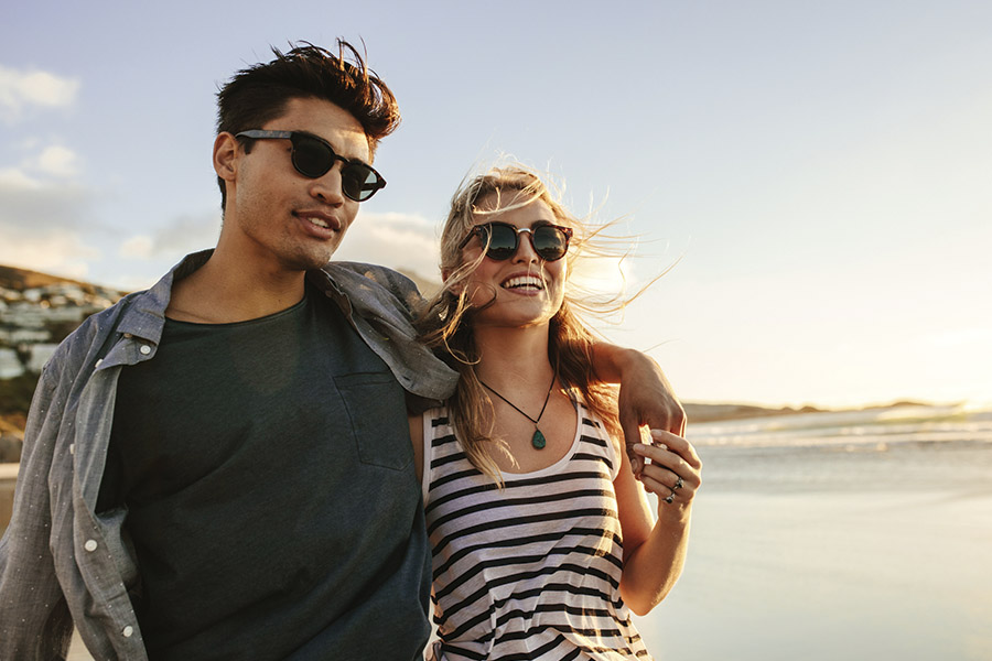 Dit zijn de zonnebrillen trends van deze zomer