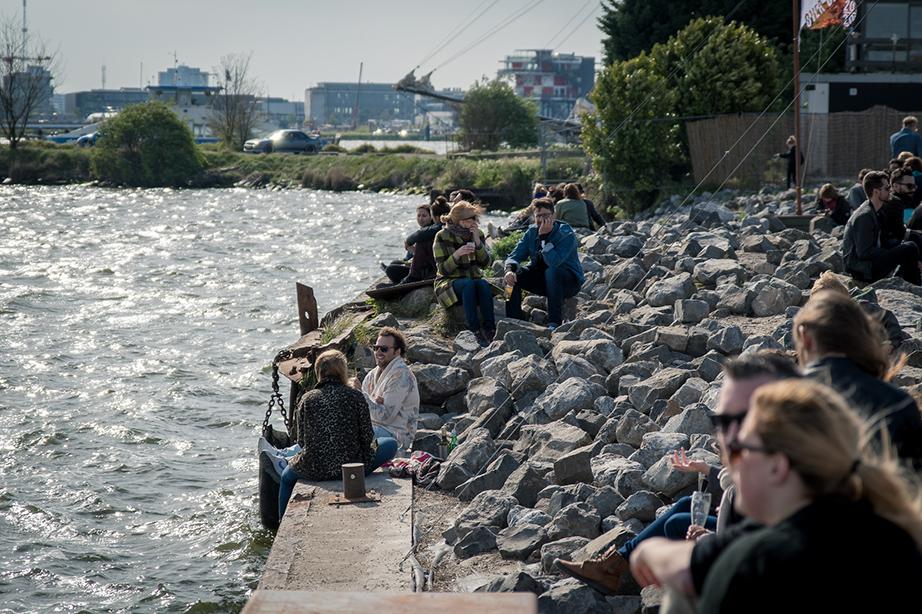 Pllek Amsterdam: een perfect gezellige 'chaos' op de de NDSM-werf
