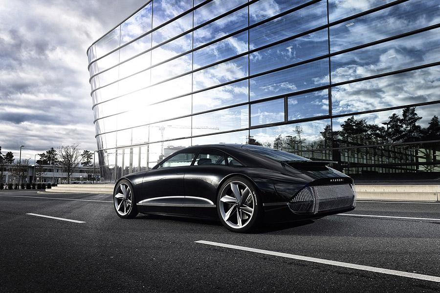 Hyundai Prophecy: een elektrische auto met metalen minimalistisch design