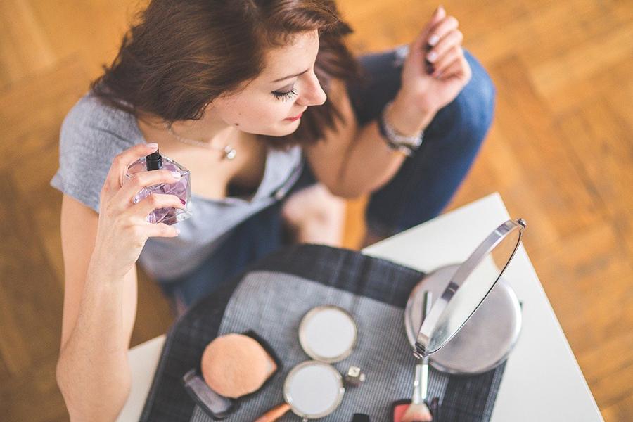 Wat de parfum die je draagt vertelt over jouw persoonlijkheid