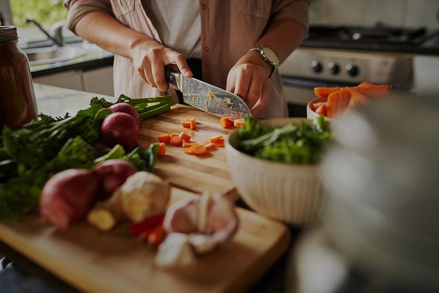 Hoe je van jezelf een kookprins(es) maakt met het juiste kookgerei
