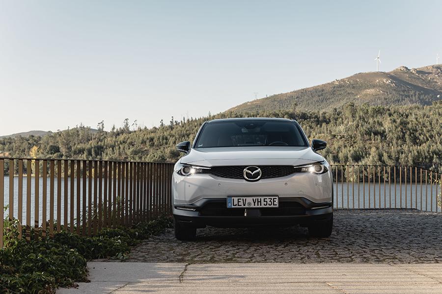 Getest: de eerste 100% elektrische Mazda MX-30 in de mooie Douro-vallei
